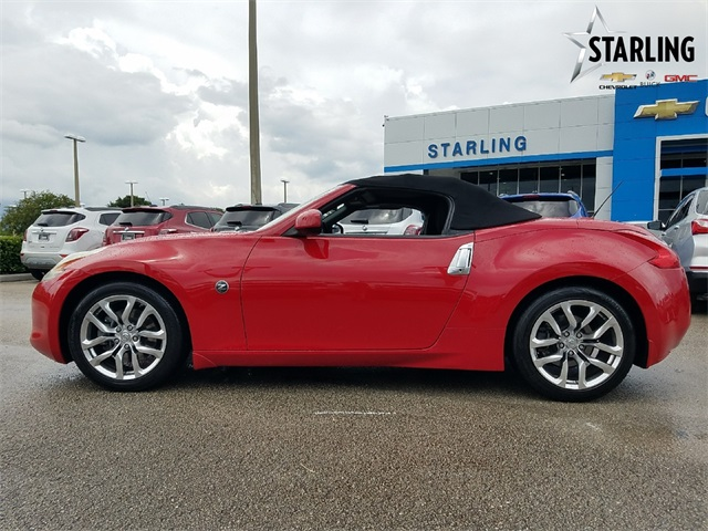 Pre-Owned 2010 Nissan 370Z Base