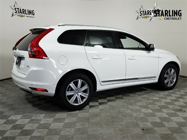Pre-Owned 2017 Volvo XC60 T5 Inscription